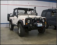 Found this one in Zumbrota…Minnesota which is a complete and total lie just for fun and folderol.  Actually, it's a Defender 90, and it's the owner's, whoever he is, dream Landy. Understandable.