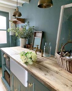 Cottage Kitchen Renovation, Home Decor Kitchen, Home Kitchens, Kitchen Dining, Summer House Interiors, Cottage Interiors, Hacienda Decor, Hallway Designs, Cottage Style Homes
