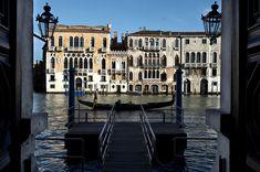 Chi ha bisogno di una gondola a Aman Canale Grande, Venezia Chi-ha-bisogno-di-una-gondola-a-Aman-Canale-Grande-Venezia-1024x681 Chi-ha-bisogno-di-una-gondola-a-Aman-Canale-Grande-Venezia-1024x681