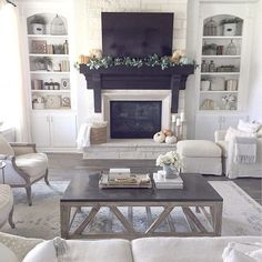 "91 Likes, 1 Comments - Home Bunch (@homebunch) on Instagram: ""I love how Erin, from @mytexashouse, designs her #home. This is sublime... #InteriorDesignIdeas…"""