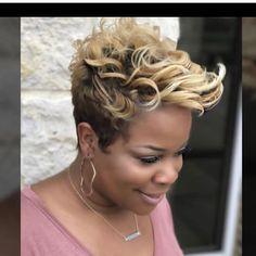 At Inflúance Hair Care we are dedicated to creativity, striving to provide innovative products promoting healthy hair. Short Sassy Hair, Cute Hairstyles For Short Hair, Short Hair Cuts, Curly Hair Styles, Natural Hair Styles, Pixie Styles, Short Styles, Tapered Hairstyles, Twa Styles