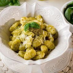 Gnocchi al pesto Fusilli, Italian Recipes, Potato Salad, Cauliflower, Clean Eating, Menu, Potatoes, Pizza, Italian Foods