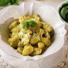 Gnocchi al pesto Fusilli, Le Diner, Italian Recipes, Potato Salad, Cauliflower, Clean Eating, Gluten Free, Menu, Mint Green