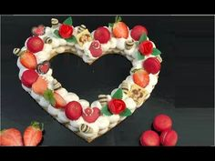 LA CREAM TART, la BELLISSIMA TORTA a FORMA di LETTERE e NUMERI SUPER TRENDY! - YouTube Birthday Candles, Birthday Cake, Gourmet Cakes, Number Cakes, Tart Recipes, Cream Cake, Cake Cookies, Biscotti, Christmas Wreaths