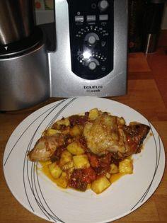 Pollo guisado con patatas fritas. para #Mycook http://www.mycook.es/receta/pollo-guisado-con-patatas-fritas/