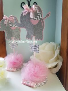 Baby Girl Shower Themes, Girl Baby Shower Decorations, Baby Shower Princess, Baby Boy Shower, Baby Elephant Cake, Elephant Theme, Elephant Baby Showers, Elephant Pillow, Elephant Baby Shower Centerpieces