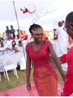 Nigerian Wedding Dress, African Wedding Dress, Wedding Dress Organza, Lace Dress Styles, Kente Styles, African Attire, African Wear, African Women, African Fashion