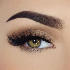 Eye Makeup Looks plus Retractable Eye Makeup Brushes among Eye Makeup Tutorial Brown Eyes Eye Makeup Glitter, Eye Makeup Tips, Makeup Goals, Makeup Inspo, Makeup Inspiration, Hair Makeup, Makeup Style, Makeup Ideas, Matte Eyeshadow