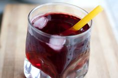 """Agus de Jamaica recipe: In order to make a half gallon of agua de Jamaica: cup of dried hibiscus calyces (""""Flor de Jamaica"""") Water cups) Sugar (about cups, or to taste) OPTIONAL: rum, ginger, thinly-sliced lime garnish Jamaica Water, Jamaica Food, Gourmet Recipes, Delicious Recipes, Recipies, Caribbean Drinks, Hibiscus Tea, Iced Tea, Slushies"""