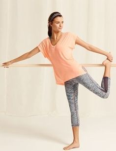 Love this whole yoga outfit. @ http://www.FitnessApparelExpress.com