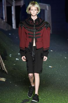 See the complete Marc Jacobs Spring 2014 Ready-to-Wear collection.