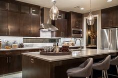 Contemporary Kitchen In Portland Photo Of A Large Contemporary Gray