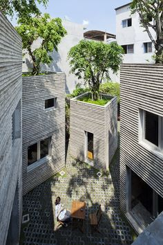 1:100 | House for Trees / Vo Trong Nghia Architects | Courtyard House | Patio House | All COncrete HOuse | Organic House | Concrete Structure | Flat Land | Urban House |