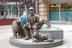 Statue in Rams Walk, Petersfield