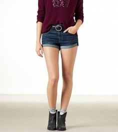 American Eagle Outfitters AE Rolled Festival Shortie worn by Elena on #TheVampireDiaries