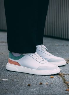 Baskets en cuir Belledonne B2 colori peach #chaussures #baskets #cuir #belledonne #b2 #peach #blanc #shoes #leather #white Baskets En Cuir, Adidas Sneakers, Peach, Leather, Shoes, Fashion, Moda, Zapatos