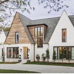 Farmhouse Architecture, Modern Farmhouse Exterior, Farmhouse Plans, Farmhouse Design, Farmhouse Style, White Farmhouse, Future House, My House, Craftsman Living Rooms