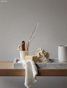 A Short Guide To Decluttering (ilaria fatone stylisme d'intérieur) Unique Home Decor, Cheap Home Decor, Bathroom Inspiration, Interior Inspiration, Design Tradicional, Jotun Lady, Interior Styling, Interior Decorating, Rustic Home Interiors
