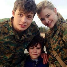 3 of the cast from The 5th Wave. Nick Robinson ,Zackary & Chloe Grace Mortez. ♡ ♡
