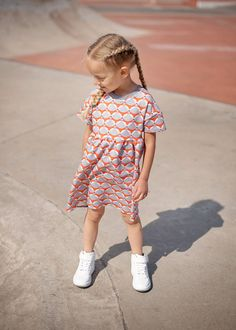 Check out our unisex kids' clothing selection for the very best in unique or custom, handmade pieces from our shops. Girls Dresses, Summer Dresses, The Good Old Days, Dress Making, Kids Outfits, Unisex, Children, Cotton, Etsy