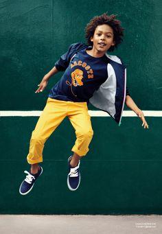Com base no conforto e na liberdade de movimento, não é difícil entender como a Lacoste influenciou o mix de College e Streetwear, trends da temporada primavera-verão 2015.