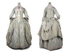 Shoe-Icons / Clothes / Dress a l'anglais made of blue silk damask with flowery pattern. Great Britain - 1745 - 1750