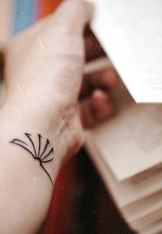 Book tattoos, bookish, books, inked girls, vintage look, tattoo idea, minimalist tattoo