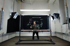 Een transparant whiteboard: ideaal voor iedereen in het onderwijs - Freshgadgets.nl