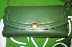 Coach Wallet Trifold  Forest Green Leather Trademark Button Logo #Coach #Trifold