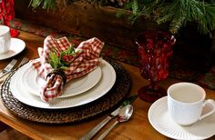 Mikasa Italian Countryside Style Christmas Table Design
