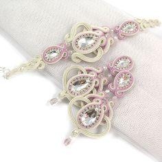 Bridal long openwork soutache jewelry set with Swarovski crystals, embroidery lunghi orecchini pendenti orecchini da sposa von byPiLLowDesign auf Etsy https://www.etsy.com/de/listing/224856759/bridal-long-openwork-soutache-jewelry