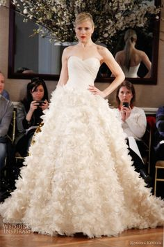 Romona Keveza: Best Wedding Dress Designer on the planet!