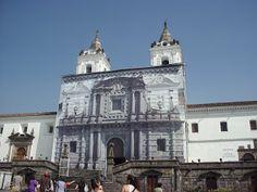 Se presume que el origen de la Escuela Quiteña, es la escuela de Artes y Oficios, fundada en 1552 por el sacerdote franciscano Jodoco Ricke, y Fray Pedro Gosseal.