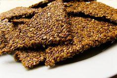 Flax Seed Crackers (krakersy z siemienia lnianego) Seed Crackers Recipe, Flax Seed Crackers, Cracker Recipe, Raw Vegan Recipes, Healthy Recipes, Vegan Food, Paleo Diet Food List, Keto Meal, Homemade Crackers