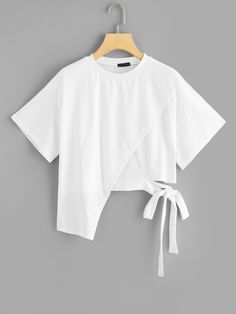 To find out about the Asymmetrical Knot Solid Tee at SHEIN, part of our latest T-Shirts ready to shop online today! Girls Fashion Clothes, Teen Fashion Outfits, Girl Fashion, Fashion Dresses, Punk Fashion, Lolita Fashion, Crop Top Outfits, Cute Casual Outfits, Skirt Outfits