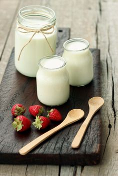 Light, creamy and natural homemade yogurt - that's just so easy to make, and yet tastes so good with a small serving of fruits, nuts and seeds.