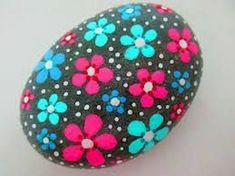 Beautiful DIY Painted Rocks Flowers Ideas - The Effective Pictures We Offer You About rock crafts A quality picture can tell you many things. Rock Painting Patterns, Rock Painting Ideas Easy, Dot Art Painting, Rock Painting Designs, Pebble Painting, Pebble Art, Stone Painting, Diy Painting, Painting Flowers