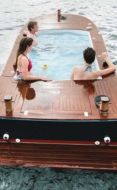Hot+Tub+Boats+|+Travel+|+Vacation+Ideas+|+Road+Trip+|+Places+to+Visit+|+Seattle+|+WA+|+Boat+Rental+|+Boating+Activity+|+Water+Sports+|+Tourist+Attraction+|+Tour
