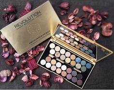 Revolution Makeup   A variety of palettes available at #a4bgr  Find Out Here: www.a4b.gr  #a4b #all #for #beauty #revolution #palettes #eyeshadowpalette #eyeshadow #makeup #london