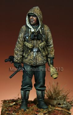 SS Grenadier, 1/35 scale resin figure. Now in stock from Mantis Miniatures. Click on the picture for more details