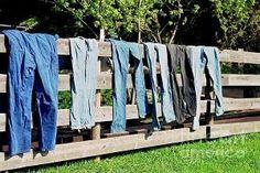 laundry day by Hercio Dias