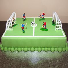 Soccer cake - this would also work with his fav players. Soccer Birthday Cakes, Football Birthday, Sports Birthday, Soccer Party, Soccer Cakes, Football Pitch Cake, Football Themed Cakes, Cake Cookies, Cupcake Cakes