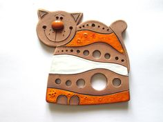Keramická kočka Velikost: cca 14 cm. Dekorace na zavěšení Ceramic Birds, Ceramic Animals, Clay Animals, Ceramic Art, Kids Clay, Play Clay, Polymer Clay Figures, Ceramic Figures, Slab Pottery