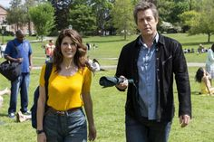 Once upon a time, screenwriter Keith Michaels (Hugh Grant) was on top of the world – a Golden Globe Award and a hit movie to his name, a beautiful wife and a. See Movie, Hits Movie, New Trailers, Movie Trailers, Trailer 2, Constantin Film, Hugh Grant, Bon Film, Movies 2014