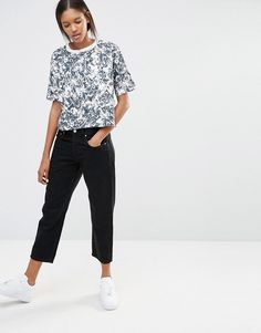 Nike Cropped T-Shirt With All Over Floral Print