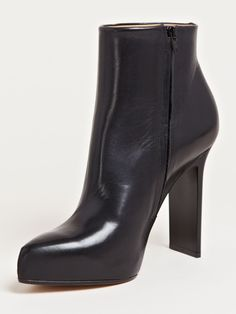 :: maison martin margiela defile women's narrow heel trunk boots