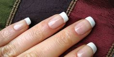 Perfect French Nails At Home DIY Tutorial – Manicure Trends 2020 Gel French, French Nail Polish, Color French Manicure, French Tip Gel Nails, White Nail Polish, White Nails, Polish Nails, French Tips, French Style