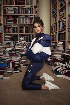 Selena Gomez SG x Puma Collection Photoshoot. Selena Gomez Shows Off Tiny Waist In Crop Top For Sexy New PUMA SG x Collection check out the images Selena Gomez Fashion, Selena Gomez Outfits, Selena Gomez Latest, Selena Gomez Photoshoot, Selena Gomez Cute, Selena Gomez Fotos, Selena Gomez Style, Selena Gomez 2019, Selena Gomz