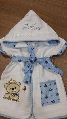 Roupão infantil produzido em atoalhado de excelente qualidade e tricoline 100% algodão,peça super macia e delicada.  *** veste de 0 a 3 anos, para outras idades consulte nos.