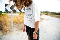 www.collagevintage.com  #fashion #style #collagevintage #fashionblogger #outfit #look #black #zara #leather #shorts #collagevintagexkrack #wavyhair #hairstyle #inspiration#streetstyle